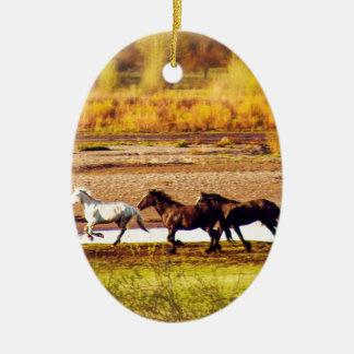 Laufende Pferde Keramik Ornament