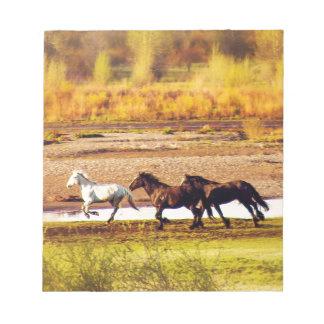 Laufende Pferde Notizblock