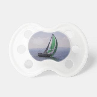 Laufende Yacht Schnuller
