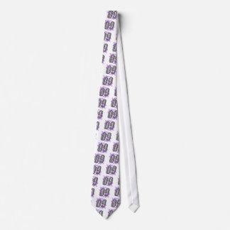 laufende Zahl 09 des Auto lila Krawatte