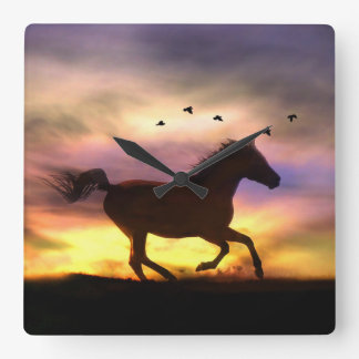 Laufendes Pferd in der Sonnenunterganguhr Quadratische Wanduhr