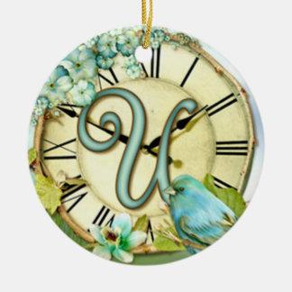 launischer Anfangsbuchstabe U der zeitlosen Keramik Ornament