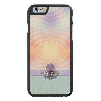 Lavendel-aquamarines orange Blumen Carved® iPhone 6 Hülle Ahorn