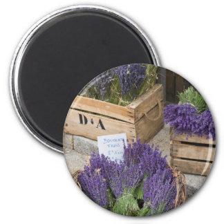 Lavendel für Verkauf, Provence, Frankreich Runder Magnet 5,7 Cm