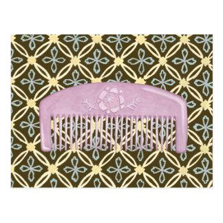 Lavendel-Kamm auf Schokoladen-Hintergrund Postkarte