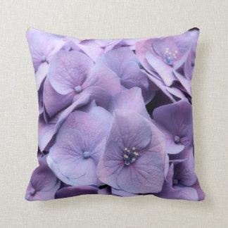 Lavendelhydrangea-Blüten-Wurfs-Kissen Kissen