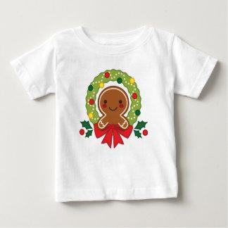 Lebkuchen-Mann mit WeihnachtsKranz-Illustration Baby T-shirt