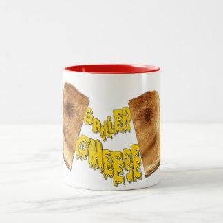 Leckere gegrillte Käse-Sandwich-Suppen-Schale Zweifarbige Tasse