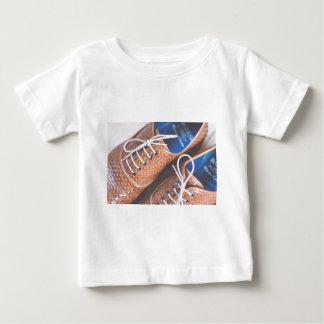 Lederne Snakeskin Brown Schuhe Baby T-shirt