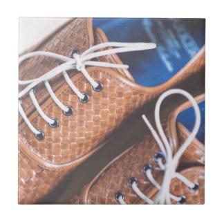 Lederne Snakeskin Brown Schuhe Keramikfliese