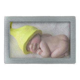 Lehm-Baby, das auf Bauch, Elf-Hut, Skulptur Rechteckige Gürtelschnallen