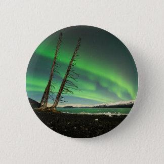Lehnende Baum-Aurora Runder Button 5,7 Cm