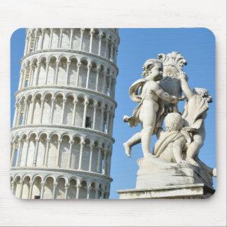Lehnender Turm und La-Fontana dei Putti Statue Mousepad