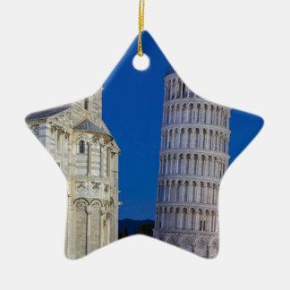 Lehnender Turm von Pisa nachts Keramik Ornament