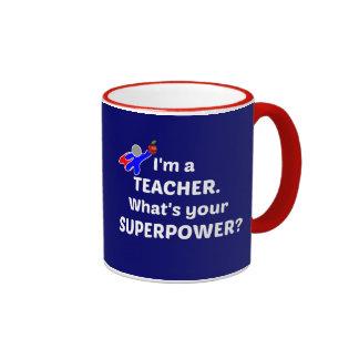 Lehrer-Superheld - weißer Text Ringer Tasse