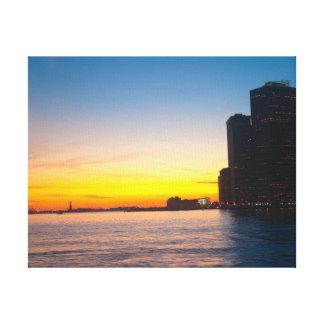 Leinwanddruck: New- Yorksonnenuntergang Gespannte Galerie Drucke
