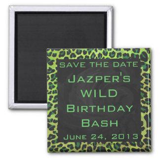 Leopard schwarz und grün mit Monogramm Quadratischer Magnet