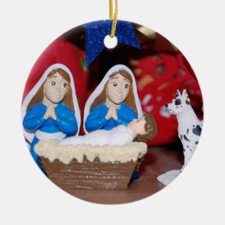 Lesbische Geburt Christi: Liebe macht eine heilige Keramik Ornament