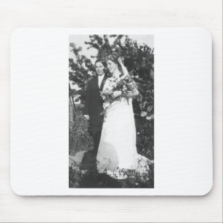 Lesbische Hochzeit circa 1920 Mousepads