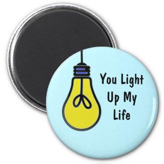 Leuchten Sie meinem Leben-Birnen-Entwurf (rund) Runder Magnet 5,7 Cm