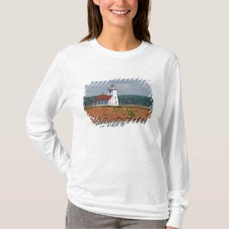 Leuchtturm bei NordUmberland auf Prinzen Edward T-Shirt