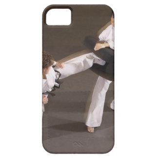 Leute, die Taekwondo üben Schutzhülle Fürs iPhone 5