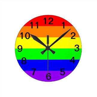 LGBT Gay Pride-Regenbogen-Flagge! Zeit für Runde Wanduhr