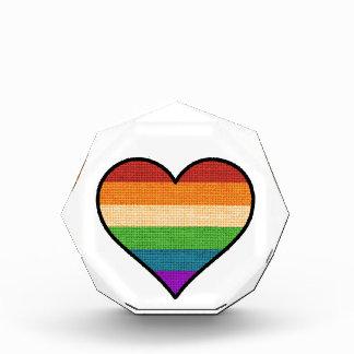 LGBT Liebe ist Liebe-Regenbogen-Herz Auszeichnung