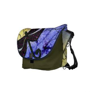 Libellen-Collage über Aquarell - blaues Gelb Kuriertasche
