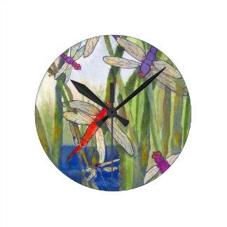 Libellen-Sommer Runde Wanduhr