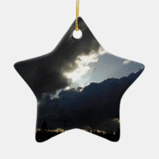 Licht-Brüche durch Keramik Stern-Ornament
