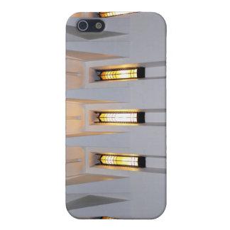 Licht, das durch Kirchen-Windows-Entwurf glänzt iPhone 5 Case