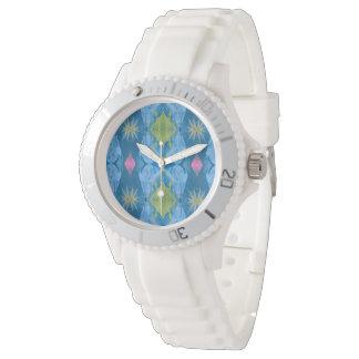 Licht und luftiges blaues Pastellmuster Uhr