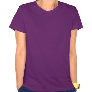 Liebe außerhalb des Kastens weiß auf Dunkelheit T-Shirts