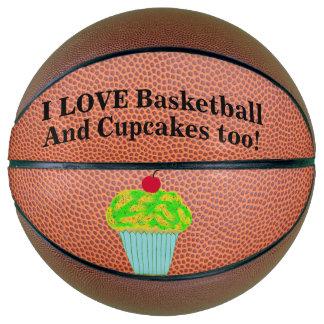 Liebe-Basketball und kleine Kuchen Basketball