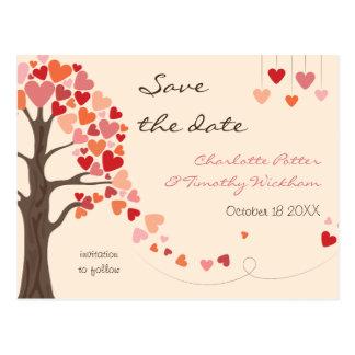 Liebe-Baum-Herzen, die Save the Date Wedding sind Postkarte