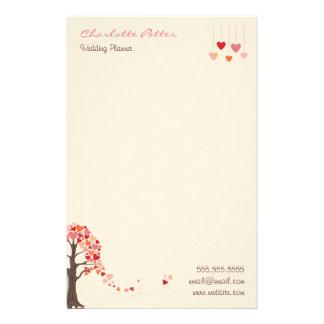 Liebe-Baum mit Herz geformtem Blätter Briefpapier