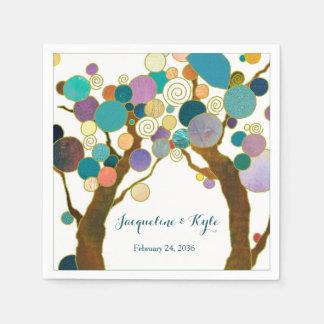 Liebe-Bäume in den Schatten der aquamarinen Papierserviette