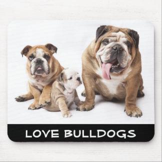 Liebe-englische Bulldoggen-Welpen-Hundefamilie Mousepad