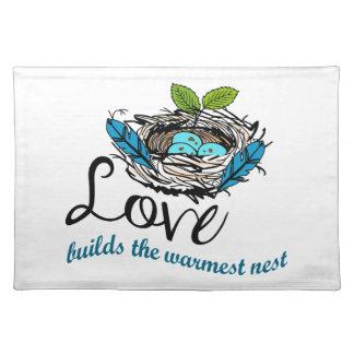Liebe errichtet das wärmste Nest Tischsets