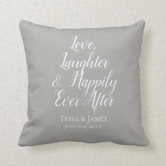 Liebe-Gelächter glücklich überhaupt nach | Wedding Kissen