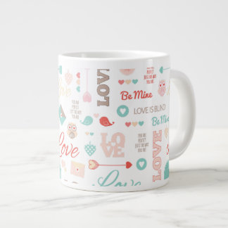 Liebe-gemusterte Tasse