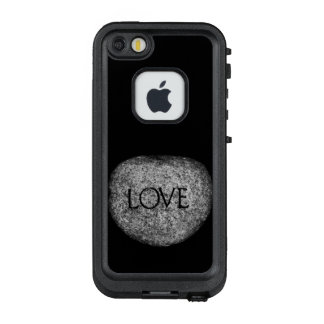 """Liebe-"" geschnitzter Stein LifeProof FRÄ' iPhone SE/5/5s Hülle"