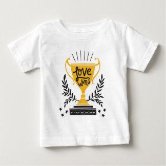 Liebe-Gewinne Baby T-shirt