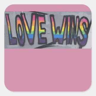 Liebe-Gewinne Quadratischer Aufkleber