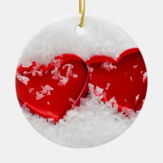 Liebe-Herzen Schnee-in der runden Keramik Ornament