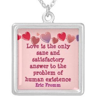Liebe ist die Antworthalskette Versilberte Kette