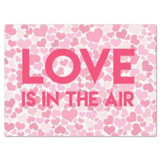 Liebe ist in der Luft. Rosa Herz-Seidenpapier Seidenpapier