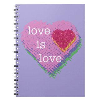 Liebe ist Liebe-Herz-gewundenes Notizbuch Spiral Notizblock
