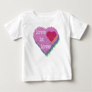 Liebe ist Liebe-Herzbaby T - Shirt
